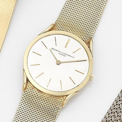 Vacheron & Constantin. An 18ct gold manual wind ultra thin bracelet watchCirca 1960