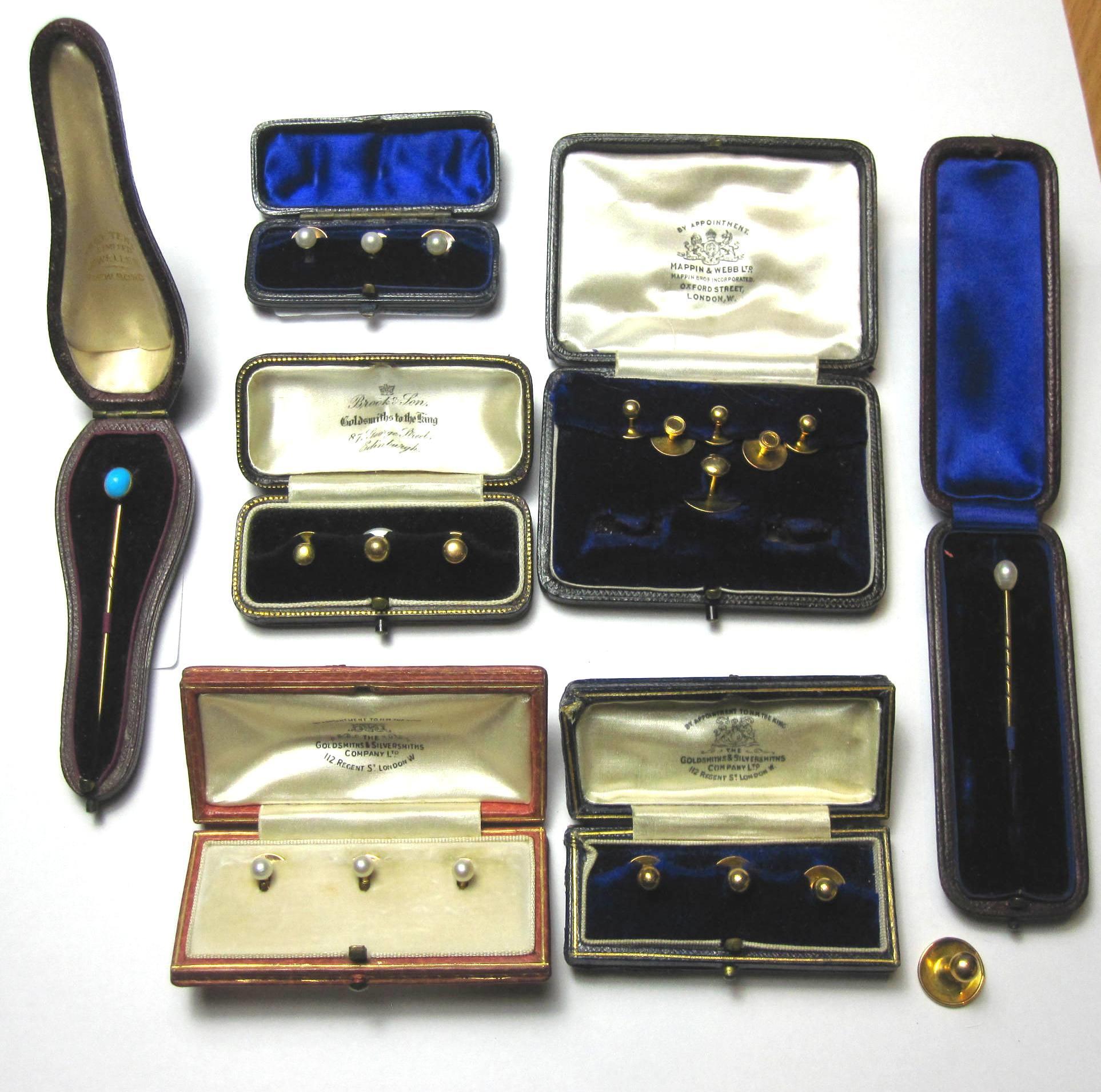 A collection of gentlemen's jewellery