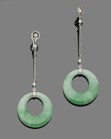 A pair of jade and seed pearl pendent earrings