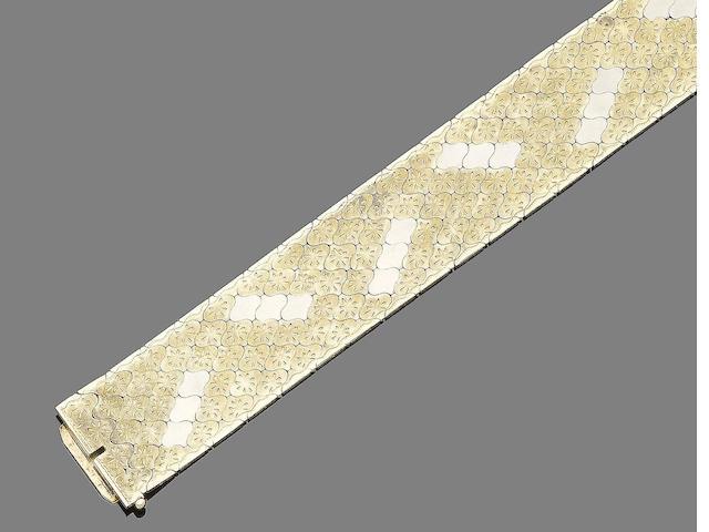 A cuff bracelet