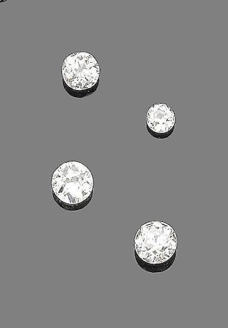 Four unmounted diamonds (4)