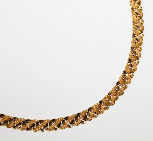 A curb-link bracelet stamped '916',