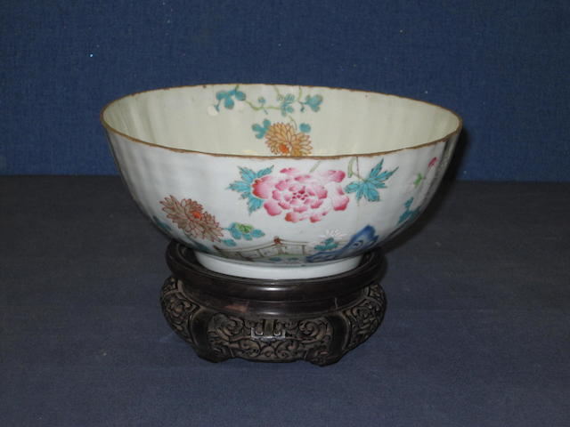 A Chinese export famille rose porcelain bowl Qianlong