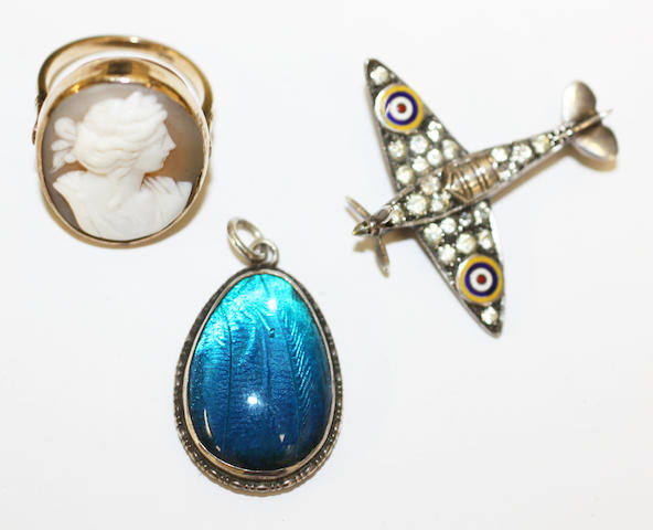 A cameo ring, a Spitfire brooch and a pendant,(3)