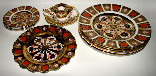 A group of Royal Crown Derby Imaric porcelain