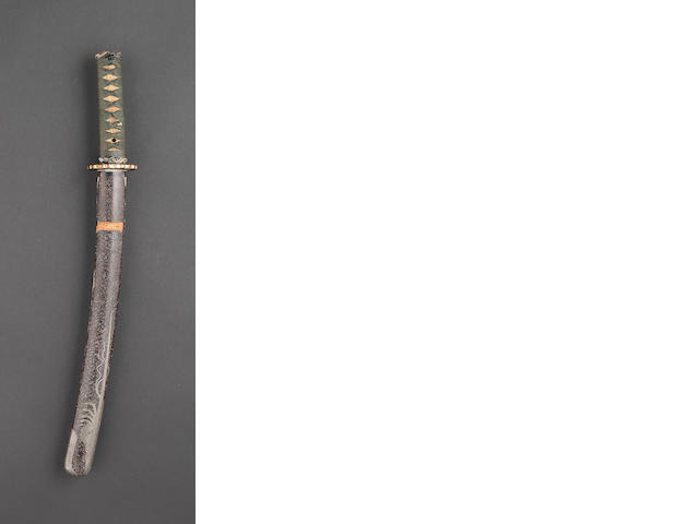 A wakizashi or ko-wakizashi in mijingai-nuri saya decorated with a crayfish Edo Period