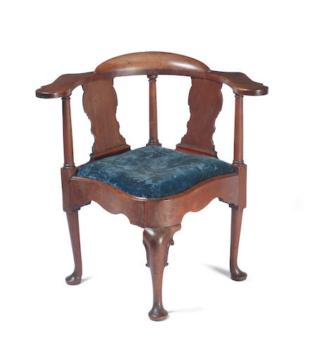 Georgian mahogany corner chair