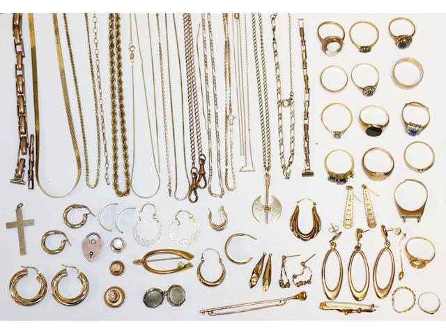 A collection of 9ct gold and other yellow metal jewellery (a lot)