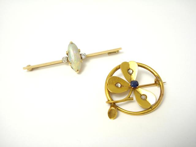Two early 20th century brooches