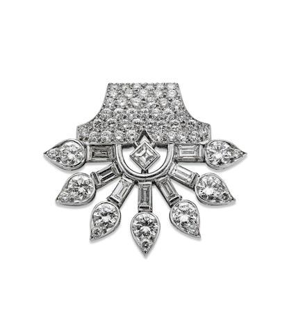 An Art Deco diamond clip brooch