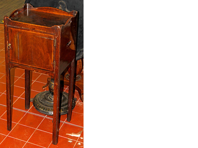 A George IV tray top pot cupboard