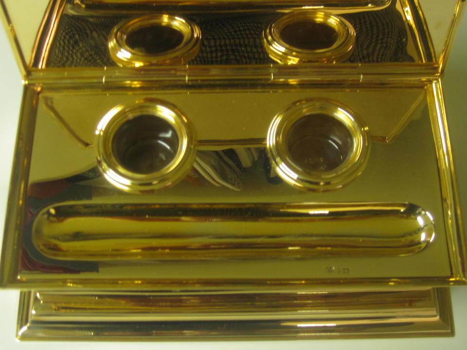 Of Royal Interest: A 9ct gold desk set by Goldsmiths & Co. Ltd, London 1936