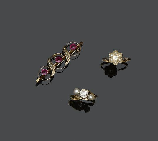 A collection of nine vari gem-set rings and a bar brooch (10)