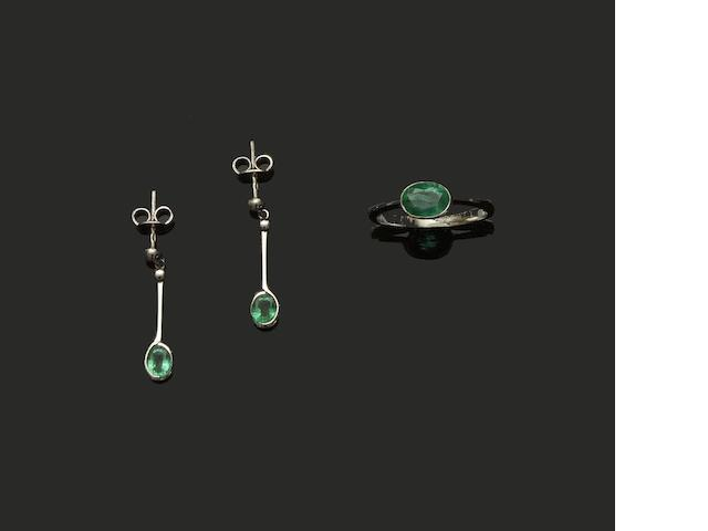 A pair of emerald and platinum earpendants and ring