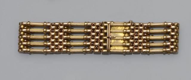 A gate-link bracelet