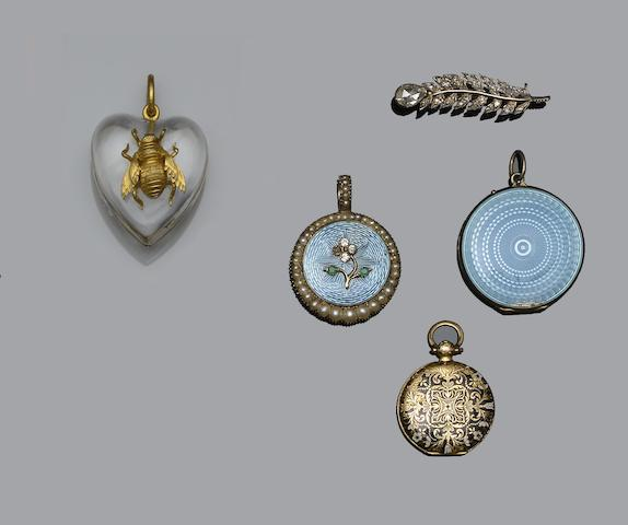 A collection of antique and later jewellery (9)