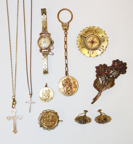 A collection of jewellery, (9)