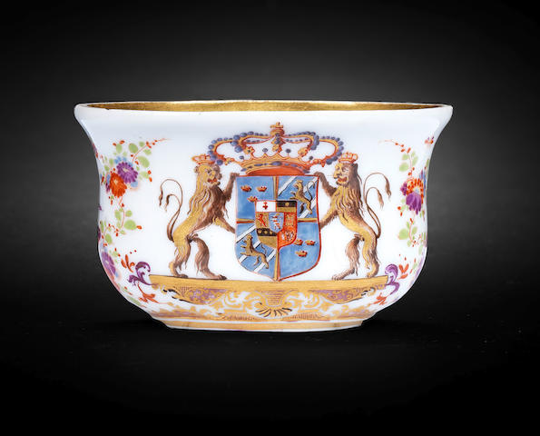 An extremely rare Meissen armorial snuff box with the Royal Arms of Sweden, circa 1733