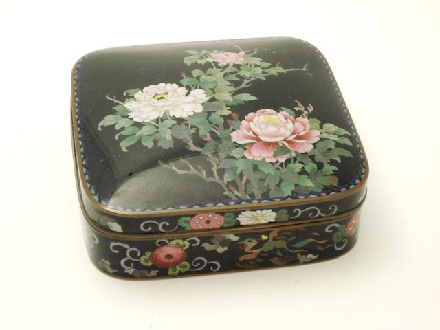 A cloisonné box with cover Early 20th century