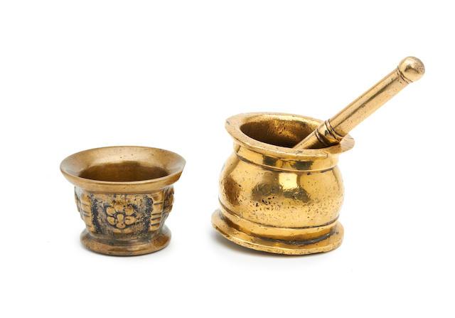 A 16th/17th century brass alloy mortar, Continental/European
