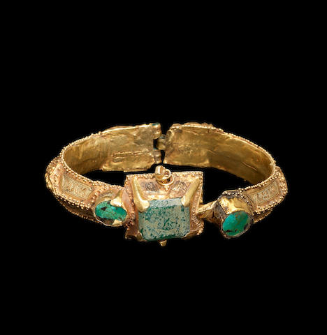 A Seljuk turquoise-set gold Bangle Persia, 12th Century(2)