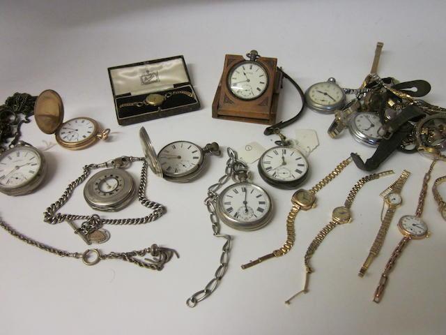 Waltham: An Edwardian open faced key wound pocket watch,  (Qty)