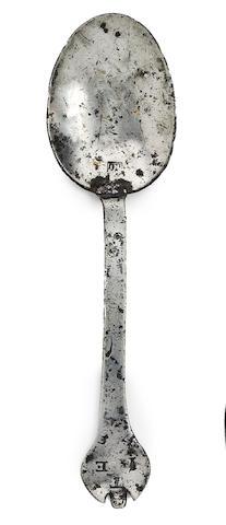 A trifid-end pewter spoon, circa 1690