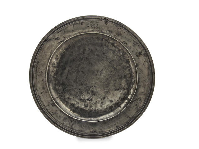 A late 17th century triple-reed pewter dish, circa 1690