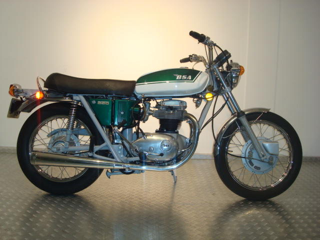 1971 BSA 654cc Thunderbolt Frame no. CE02692 A65 Engine no. AE04444 A65T