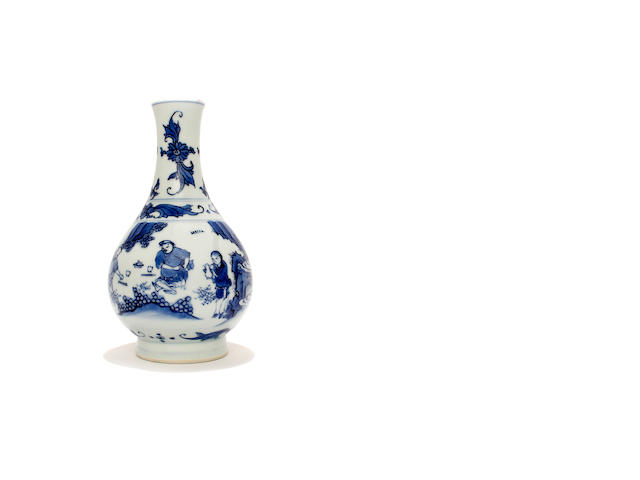 A Chinese blue and white pear-shaped vase, 17th century