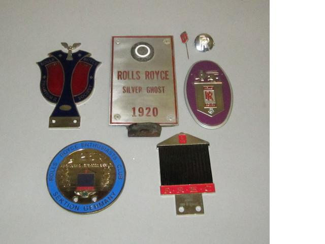Assorted Rolls-Royce badges and plaques,