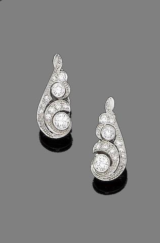 A pair of diamond clips