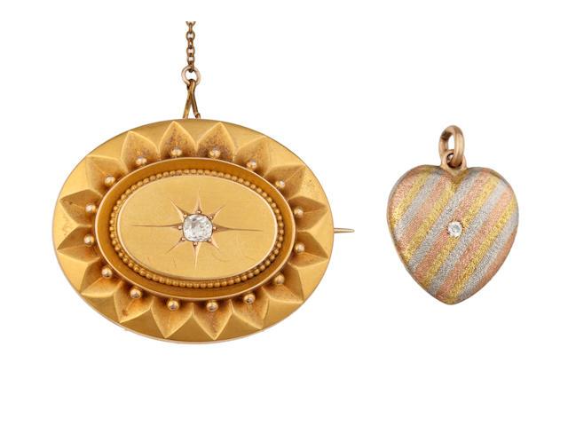 A quantity of jewellery