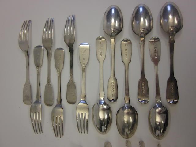 A quantity of silver Fiddle pattern flatware