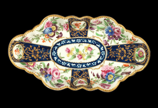 A good Worcester spoon tray, circa 1765