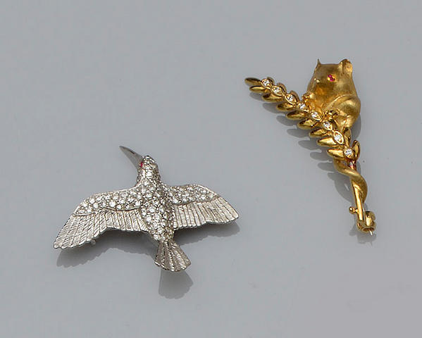 Three brooches (3)