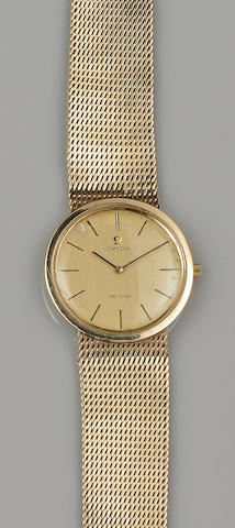 Omega: A gentleman's 9ct gold De Ville wristwatch