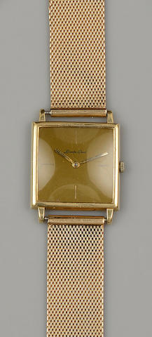 Bueche-Girod: A mid-sized wristwatch