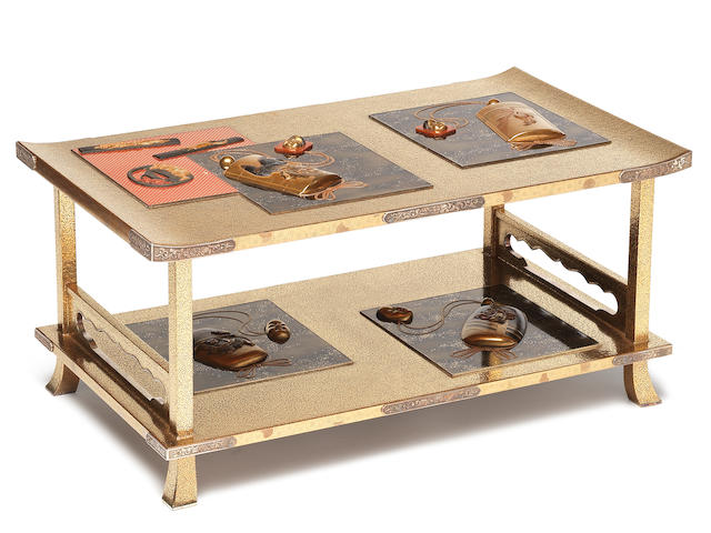 A gold lacquer rectangular single-shelf shodana (table) By Kitamura Tatsuo (born 1952), 20th century