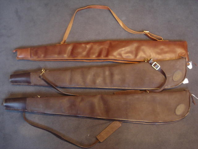 Three leather single-gunslips (3)