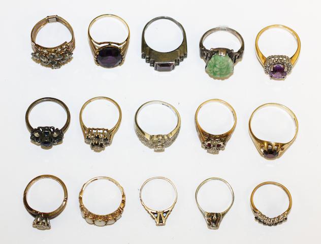 A colletcion of vari gem-set rings, (15)