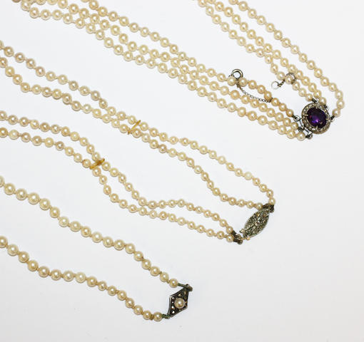 Three cultured pearl necklaces, (3)