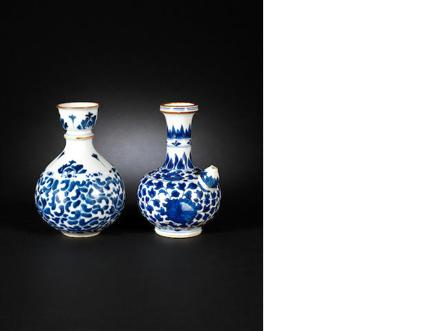 Two blue and white wares