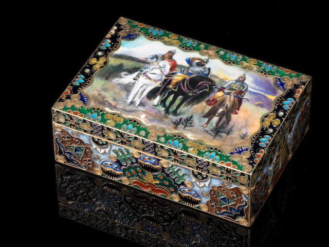 A silver-gilt and cloisonné enamel boxKhlebnikov, Moscow, 1908-1917, with later Soviet marks