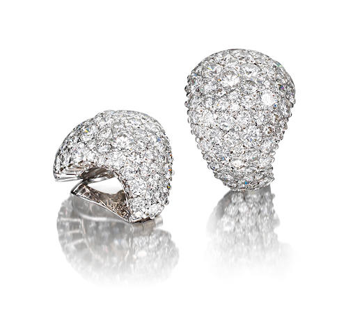A pair diamond ear clips