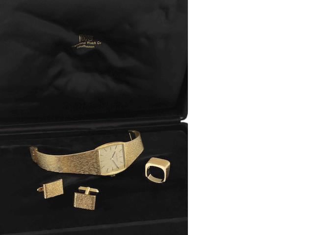 International Watch Co. A fine and rare 18ct gold manual wind bracelet watch, cufflink and ring suiteRef:R 2471, Case No.2166714, Movement No.2164624, Circa 1980