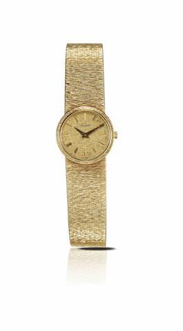 Piaget. A fine 18ct gold lady's manual wind bracelet watchCase No.924A6 251340, Circa 1970