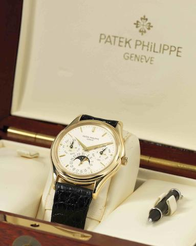 Patek Philippe. A fine 18ct gold perpetual calendar automatic wristwatch with moon phases Ref:3940, Case No.2841350, Movement No.770873, Made in 1987