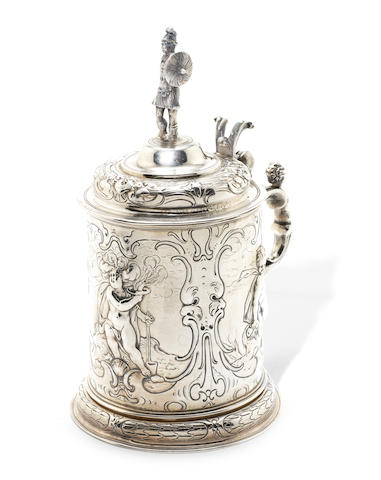A 17th century German silver tankard maker's mark distorted, possibly HW or MM conjoined, Augsburg