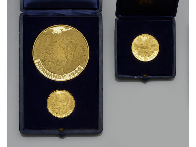 Three 22ct gold commemmorative medallions  (3)